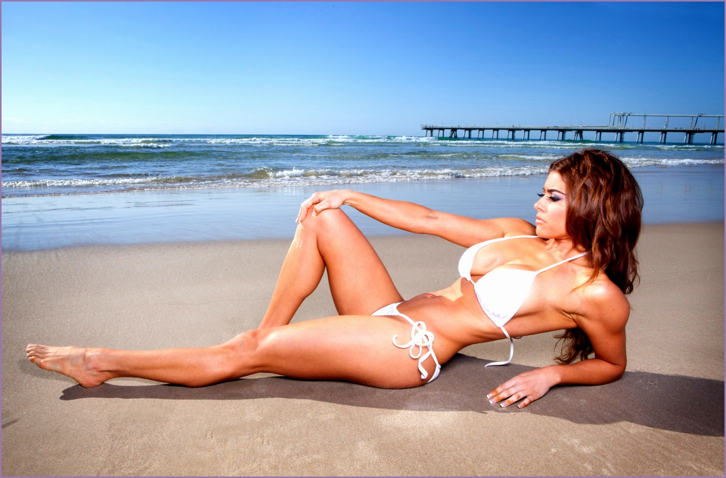 Female Fitness Beach graphy