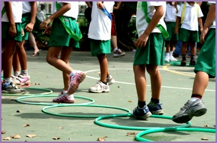 Almost seven in 10 parents say their child s school does not provide daily physical education even though experts re mend 150 to 225 minutes per school