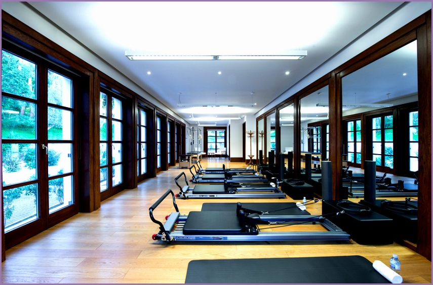 A strong fitness center design in a Pilates studio