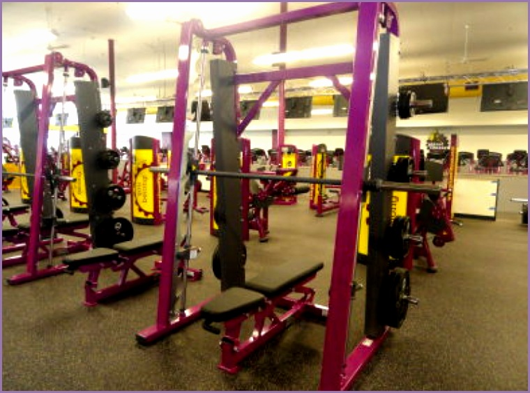 Man Kicked Out of Hingham Planet Fitness for Grunting Dropping Weights