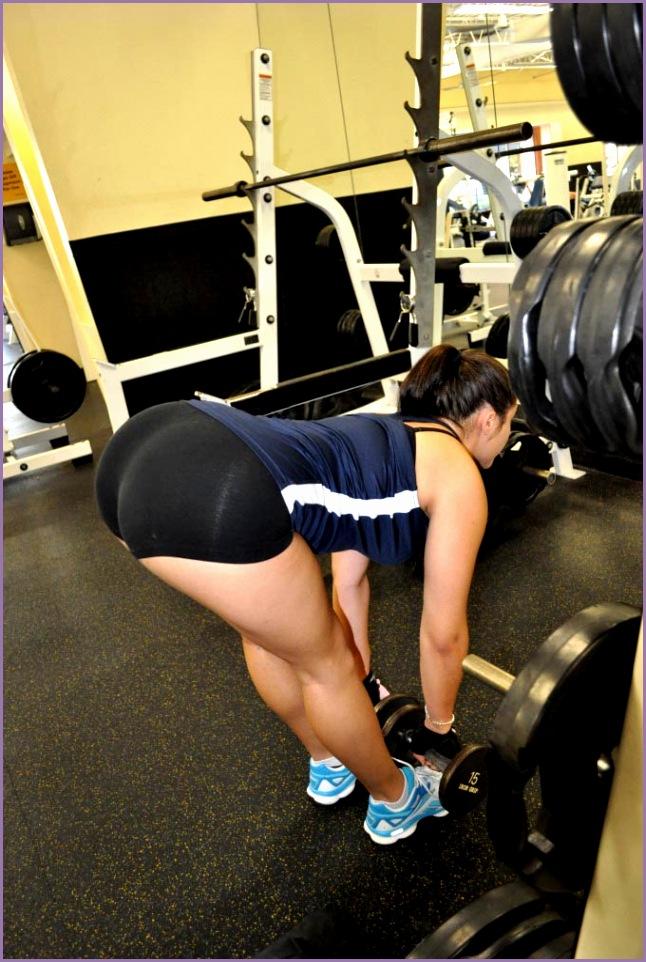 big booty yoga pants at the gym