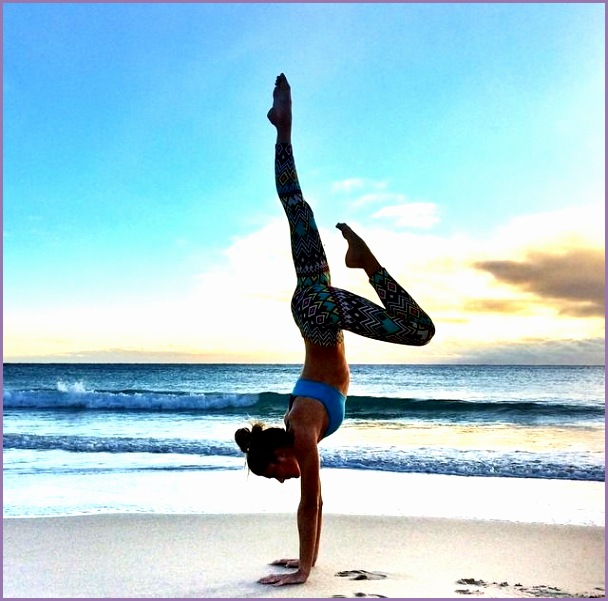 this minute yoga flow will help you finally nail a handstand