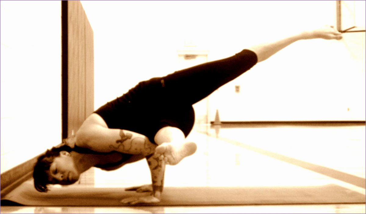 7 Yoga Crow Pose - Work Out Picture Media - Work Out ...